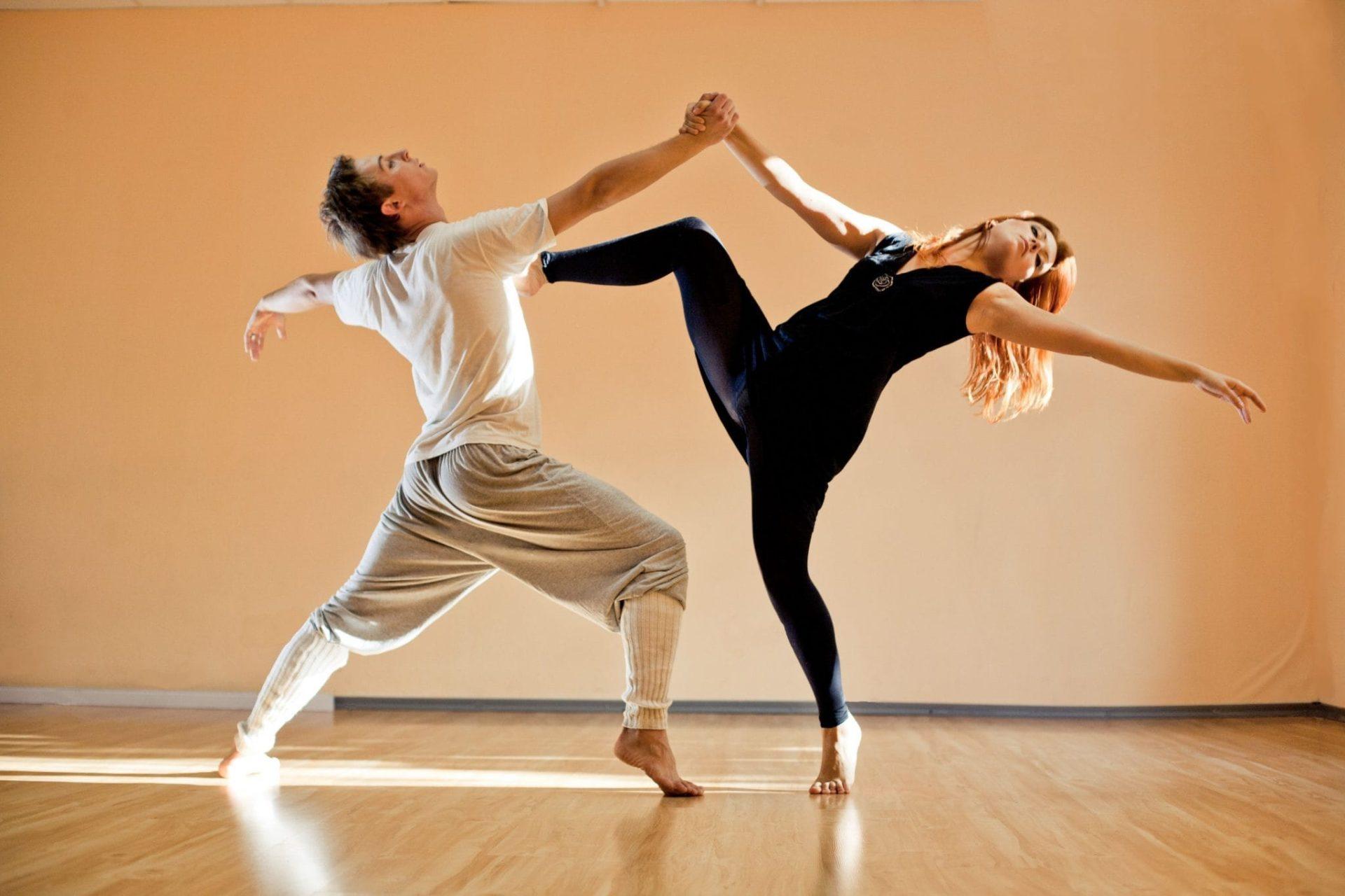 Порнографию танцы по хореографии звездные грудь