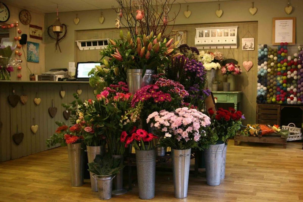 Самый большой магазин цветов в екатеринбурге, невесты розовых