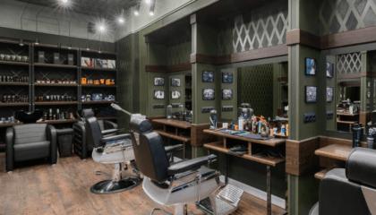 кресла для работы барберов, общий парикмахерский зал